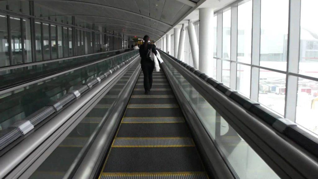 یو پی اس پله برقی